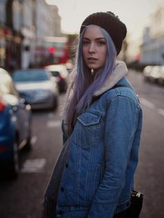 Gem>>>while harrys is running around being a popstar here we have gemma being a hipster model