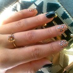 These r my nails! :D, lovely my dear.. Muwahhh