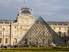 Tourists from all over the world queue up outside Paris museums and monuments, but the worst lines are at the Eiffel Tower and the Louvre. Here's how to avoid the wait at both attractions.
