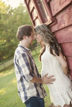 Rustic Country Maternity Shoot with Pregnancy Announcement | Two Bright Lights :: Blog