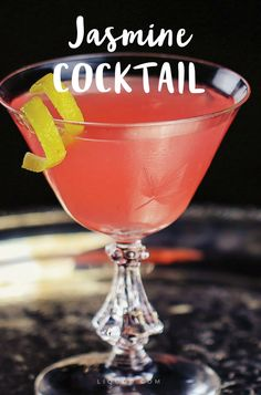 A #gin #cocktail that is citrusy but not too sweet? Yes please. #cocktailrecipes