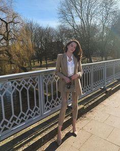 """@miss.susannem shared a photo on Instagram: """"Guten Morgen ihr Lieben, Ich frühstücke grad ganz genüsslich in der Sonne und warte auf mein Auto. Später kommt noch eine Lieferung…"""" • Feb 25, 2021 at 8:41am UTC Grad, Sophisticated Style, Instagram, Fashion, Autos, Good Morning Love, Sun, Moda, Fashion Styles"""
