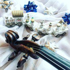 Święta święta i po świętach - cytując... w zasadzie wszystkich  _____________________ Loading  25%  New Year's Eve  _____________________    Tap  if you like my music world!    Tag a friend  who loves music too!    Follow me to see more of my music life!    Feel free to contact me if you have any question about violin! ___________________ #violin   #violino   #violinist   #violinlife   #violingirl   #skrzypaczka   #skrzypce   #muzyka   #geige   #fiddle   #musicaclassica   #instrument…