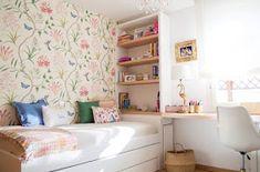 Más Chicos: 10 Dormitorios juveniles con escritorios para chicas Bedroom Layouts, Room Ideas Bedroom, Small Room Bedroom, Dream Bedroom, Home Decor Bedroom, Bedroom Wall, Fantasy Bedroom, Cosy Room, Bedroom Decor For Teen Girls