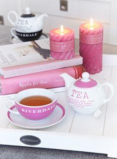 ღ tee time tout rose Tea For One, My Cup Of Tea, Tout Rose, Apple Tea, Tea And Books, Tea Sandwiches, Tea Art, High Tea, Drinking Tea