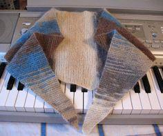 Sidney Artesanato: Baktus um lenço prático...