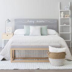 Dormtiorio muy romántico / Dormitorio con pared ladrillo vista / 8 dormitorios en los que querrás dormir #hogarhabitissimo