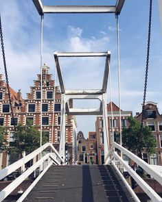 We zijn er weer klaar voor: weekend  #haarlem #haarlemcityblog #spaarne #weekend #gravestenenbrug