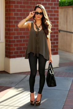Fashion outfits, First date outfit, Casual first date outfit tips, Summer first date, First date outfit for winter, First date outfit for spring, First date outfit for fall, casual legging outfit #FashionOutfit #FirstDate #WomensFashionOutfit