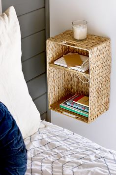 Organize your home in less than a weekend's time with these easy DIY storage ideas. Many of these projects use items you already have around the house. Try a few of these DIY storage projects this weekend for a quick organization boost. Dollar Store Hacks, Astuces Dollar Store, Dollar Stores, Diy Storage Projects, Cool Diy Projects, Diy Storage Ideas For Bedrooms, Diy Bedroom Projects, Small Room Storage Ideas, Bedroom Ideas For Small Rooms For Adults