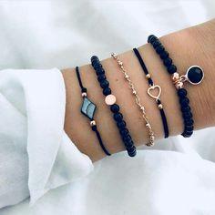30 Beautiful Bracelet Ideas For women, Diy Abschnitt, Source by summer bracelets Hand Jewelry, Dainty Jewelry, Cute Jewelry, Jewelry Accessories, Jewelry Design, Summer Bracelets, Cute Bracelets, Beaded Bracelets, Stylish Jewelry