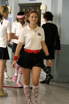 Blair Waldorf usando un uniforme deportivo