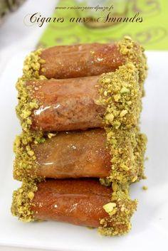 Cigares aux amandes, pistaches et miel