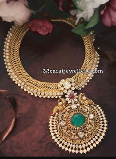 Gold Jewelry For Bridesmaids Indian Bridal Jewelry Sets, Wedding Jewelry, India Jewelry, Gold Jewellery, Gold Jewelry Simple, Jewellery Sketches, Jewelry Patterns, Couture, Antique Jewelry