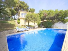 Holiday Home Maria Javea Situated in a residential area of J?vea, a 5-minute drive from the beach, Holiday Home Maria features a private pool with stunning views of the sea.