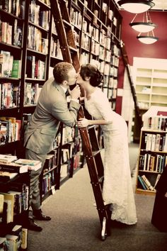 A lovely idea for a wedding photo - Library love