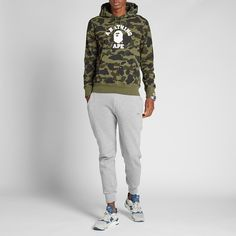 Revel in the streetwear styling of Tokyo-based label A BATHING APE®. This downtime essential has been expertly crafted in Japan from a soft cotton jersey, finished in an all-over camo print with the BAPE HEAD and branded typography across the chest. The hoody is finished with all the classic detailing with a drawcord hood, front pouch pocket and ribbed cuffs and hem.  100% Cotton All Over Camo Print BAPE HEAD Graphic Front Pouch Pocket Drawcord Hood Ribbed Cuffs & Hem
