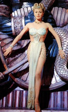 Lana Turner Pin Up | Lana Turner is beautiful,.....but I'm in love with bracelet on the ...