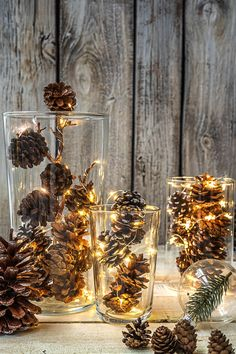 Winter decoration: 3 beautiful things you can do from pine cones Christmas Home, Christmas Gifts, Christmas Decorations, Xmas, Table Decorations, Diy Accessoires, Decorating Bookshelves, Design Your Dream House, Plate Crafts