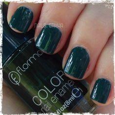 @flormarspain Colección Full Color--> FC26 King of the bests #flormar #fullcolor #green #nails #notd #manicure #nailart #polish #nailspolish #nailartadict #cutepolish #cool #fashion #nailideas #manicura #esmalte #uñas #unhas #nailsporn #blog #blogguer #blogasturias #bloggerasturias #beautyasturias #beauty #beautyblog Nails Polish, Bubble Gum, Cool, Nailart, Bubbles, Enamels, Finger Nails, Nails, Colors