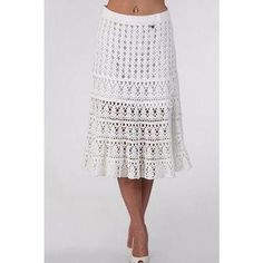An irresistible white crochet skirt.Hello, an irresistible white skirt, a great idea for any season. Check out the free link with the chart for you to perform.- Diversamente Crochet By MaryRoseHandmade crochet and knitted skirts, maxi skirts, midi sk Crochet Skirt Pattern, Crochet Skirts, Knit Skirt, Crochet Clothes, Lace Skirt, Crochet Patterns, Midi Skirt, Crochet Ideas, Knitting Patterns