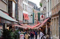 Rue de Bruxelles. #Bruxelles #voyages Rue, Street View, Brussels, Belgium, Travel