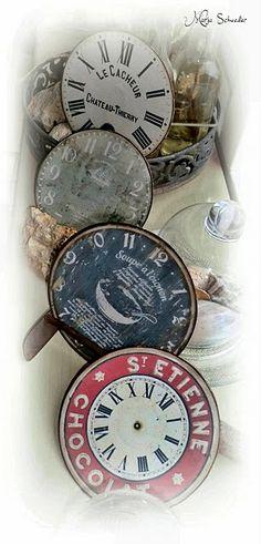 Vintage clocks . Es podría fer amb CD