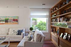 Ouriço Bookcase, Shelves, House Design, Living Room, Home Decor, New Houses, Interior Decorating, Decorating Ideas, Arquitetura