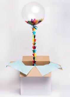 箱を開けるとバルーンが飛び出す*風船を詰め込んだ贈り物〔バルーンボックス〕って知ってる?にて紹介している画像