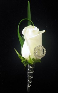 White rose boutonniere with a touch of bling - no bling and maybe a bit of blue in there? White Rose Boutonniere, Prom Corsage And Boutonniere, Corsage Wedding, Corsages, Boutonnieres, Wedding Boutonniere, Prom Flowers, Wedding Flowers, White Flowers