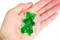 Quick and easy gummy bear shower jelly soaps make a great homemade gift idea! Make your own DIY Lush shower jellies in fun shapes, colors, and fragrances! Making Gummy Bears, Best Gummy Bears, Lush Shower Jelly, Shower Jellies, Jelly Soap, Soap Colorants, Soap Base, How To Make Diy, Handmade Soaps