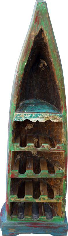 Dieses Weinregal dümpelte einst als Kahn in der indonesischen Javasee. Jetzt  können Liebhaber des Nicht-Geglätteten auf 1,50 m Höhe edle Weinflaschen unterbringen. Shops, Shabby, Wine Bottles, Recyle, Indian, Tents, Retail, Retail Stores