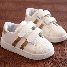 RoMantic Chaussures B/éb/é Gar/çons Filles B/éb/é Sandales LED Lumineux Sport Chaussures Sneakers /Ét/é en Plein air