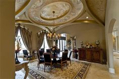 Such a grand ceiling... love it