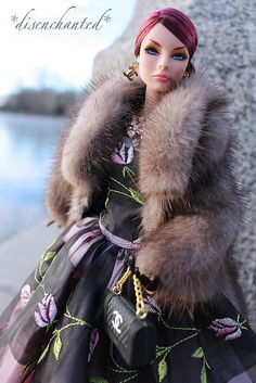 Nightscape Giselle wearing a gown by Ginny Liezert - GinOCouture on Etsy | von *disenchanted* - Deb