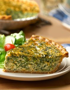 Here is a quick and easy Spinach & Cheddar Quiche recipe that is sure to please. Eggs, cheddar cheese, spinach and a savory chicken pot pie oven sauce combine to make a delicious quiche the whole family will enjoy!