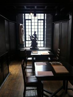 Before, Library at the Glasgow School of Art Architecture Details, Interior Architecture, Interior Design, Charles Rennie Mackintosh, Glasgow School Of Art, Aesthetic Movement, Glasgow Scotland, Bauhaus, Museums