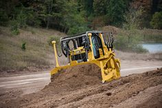 Cat® D6T Features Optimum Fuel Efficiency, Fully Automatic Transmission and Technology to Match the Job