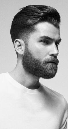 Barba cheia e curta. Beard Styles For Men, Hair And Beard Styles, Hair Styles, Barber Haircuts, Haircuts For Men, Black And White Man, Bearded Men, Barber Shop, Vintage Man