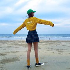 ♡ Sweater, skirt, plaid, pleats, sneakers, beach, girl art reference ♡