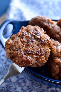 Start your morning with these amazing homemade Syn Free Pork Sausage Breakfast Patties - super easy to make, but with a delicious taste. Homemade Breakfast, Breakfast Recipes, Slimming World Sausages, Syn Free Sausages, Easy Healthy Recipes, Healthy Snacks, Easy Cooking, Cooking Recipes, Slimming World Recipes Syn Free