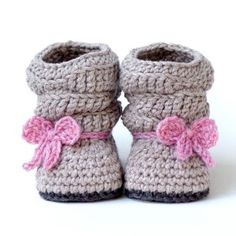 Mia Slouch Baby Booties - Pattern: http://crocheting.myfavoritecraft.org/crochet-baby-patterns/