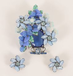 Lawrence VRBA large costume jewelry floral arrangement brooch and earrings set / demi parure. Intricate design featuring cut and molded glass and rhinestones.