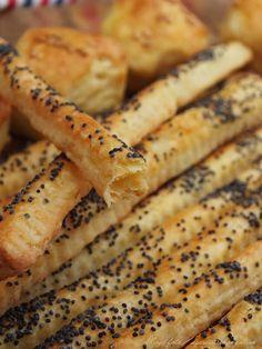 szeretetrehangoltan: Juhtúrós pálca Hot Dogs, My Photos, About Me Blog, Minden, Bread, Snacks, Ethnic Recipes, Food, Tapas Food