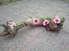 Deco Floral, Arte Floral, Floral Design, Large Flower Arrangements, Ikebana Arrangements, Decoration Buffet, Flax Flowers, Fabric Bouquet, Branch Decor