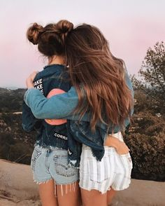 15 selfies for those days when you and your best friends bring the whole shot – girl photoshoot poses Best Friend Photos, Best Friend Goals, Best Friend Pictures Tumblr, Shotting Photo, Best Friend Photography, Friend Poses, Cute Friends, Beach Friends, Best Friends Forever
