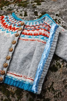 maria carlander: liten väpnare - Love these colors together. Knitting Stitches, Knitting Patterns Free, Knitting Yarn, Free Knitting, Baby Knitting, Crochet Cardigan, Knit Crochet, Chunky Knitwear, Diy Accessoires