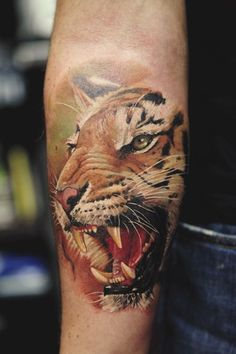 Tiger tattoo. Wow nice ink.!