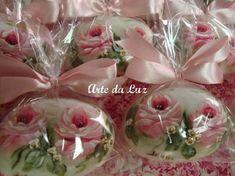 Sabonete Pintado a mão de rosas