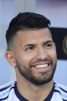 Football Hairstyles, Holiday Hairstyles, 2015 Hairstyles, Manchester City Wallpaper, Sergio Aguero, Haircut Tip, Vincent Kompany, Kun Aguero, Premier League Teams